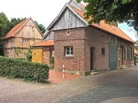 "Heimathues ""Kittken"" with its storehouse"
